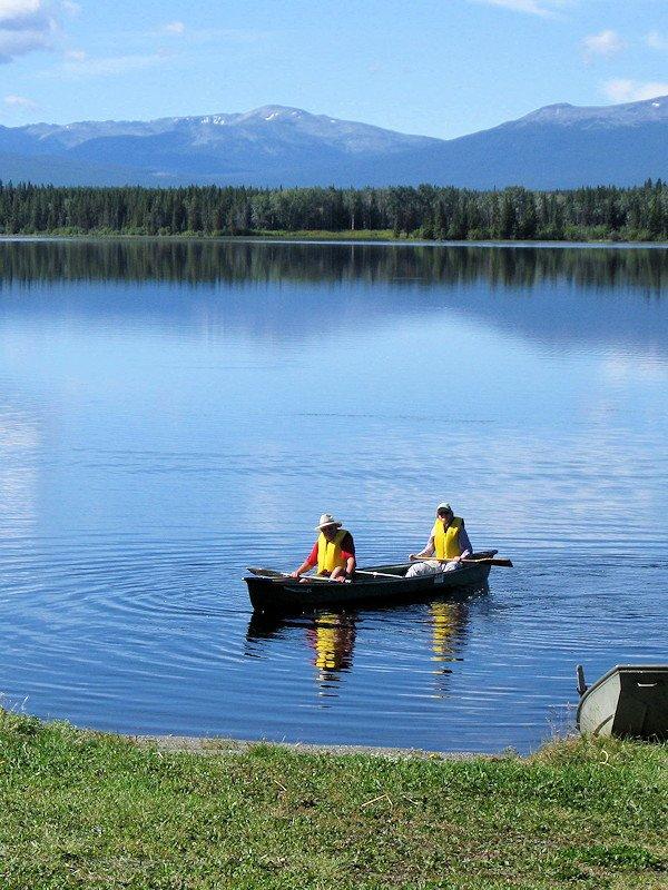 canoe rentals at Anahim Lake Resort